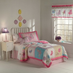 COOL KIDS ROOMS Flurry of Butterflies Twin Quilt with Pillow Sham