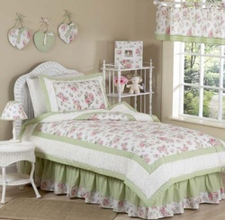 COOL KIDS ROOMS Riley's Roses Chenille Floral Childrens Bedding 4pc Twin Set