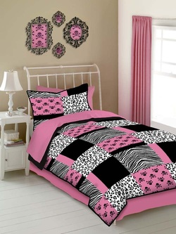 COOL KIDS ROOMS Veratex Pink Skulls Twin Size 3-Piece Comforter Set