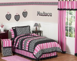 COOL KIDS ROOMS Pink and Black Madison Girls Bedding 3pc Full / Queen Set