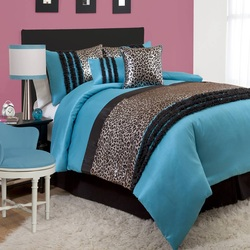 COOL KIDS ROOMS Kenya Juvy Metallic Animal Print Comforter Set