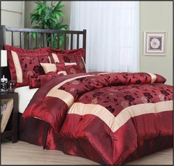 COOL KIDS ROOMS 7-Piece Red Jacquard Comforter Set