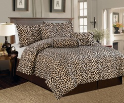 COOL KIDS ROOMS Brown and Beige Leopard Print, Full Size Comforter Bedding Set